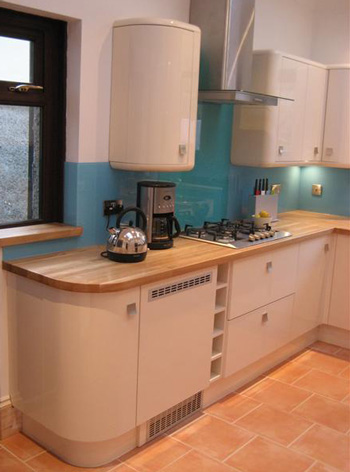 kitchen storage hob and extractor fan